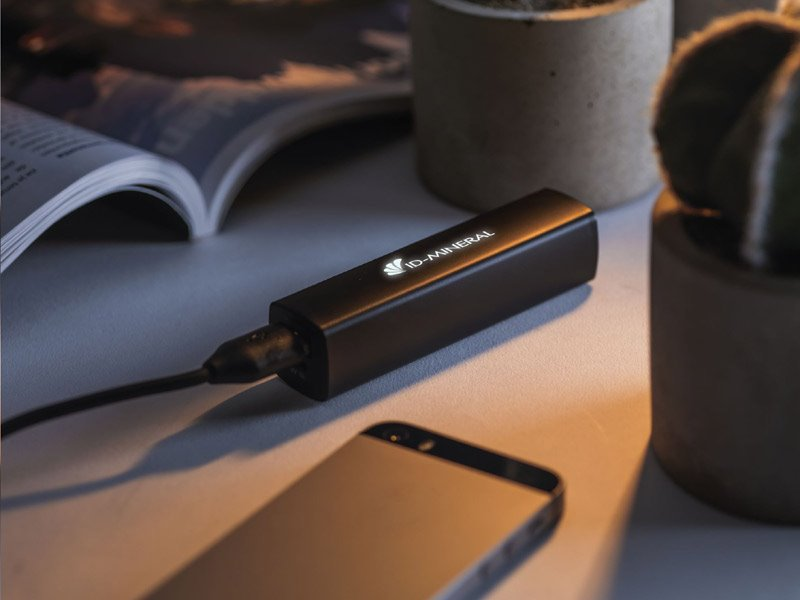 Logoboost 2500 mah powerbank powercharger - IMGb